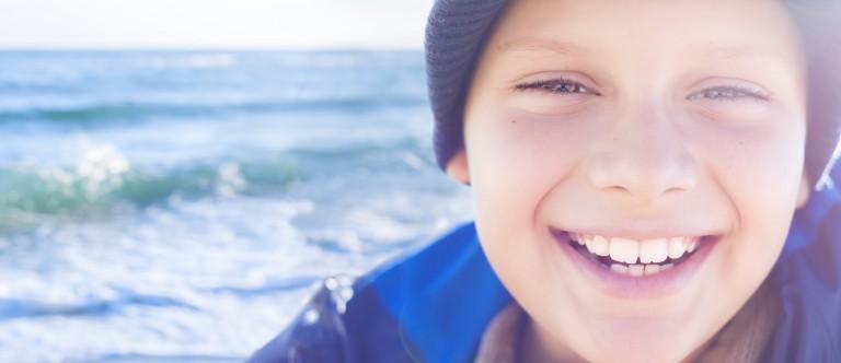 ortodent - smiling boy, heathy teeth